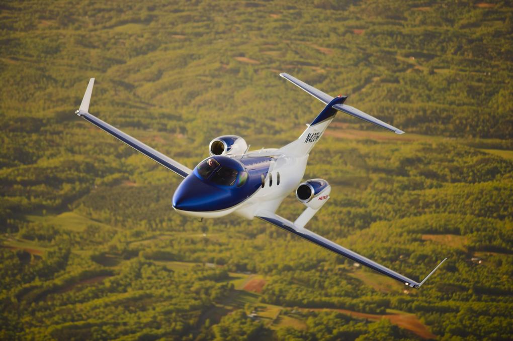 فقط موتورها نیستند: ظاهر برآمده اطاقک خلبان ها هم به عجیب بودن هواپیما افزوده. (هوندا)