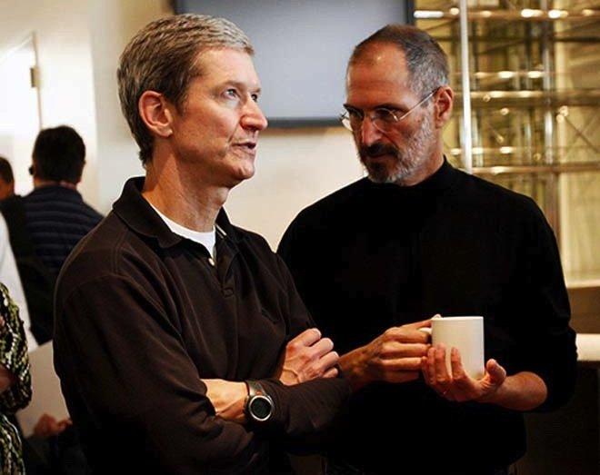استیو جابز و تیم کوک