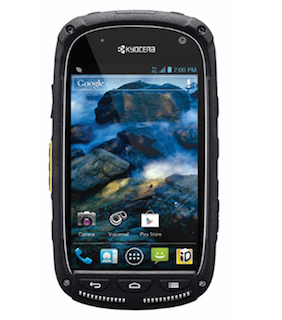 smartphone-bear-grylls-kyoceratorque1