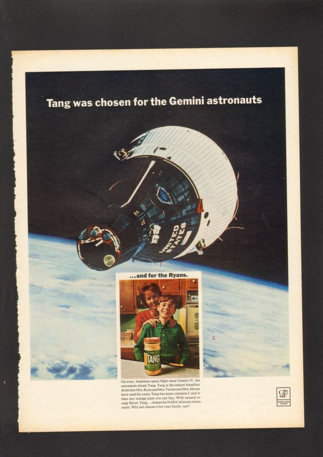 شاید Pocari Sweat اولین نوشیدنی تاریخ باشد که سطح ماه را لمس می کند ولی اولین برندی که با اهداف تبلیغاتی از ماموریت های فضایی استفاده کرد، نیست. برندی مانند Tang در گذشته به عنوان نوشیدنی منتخب ناسا برای فضانوردان انتخاب شده بود که این به بالا رفتن فروش آن کمک کرد.