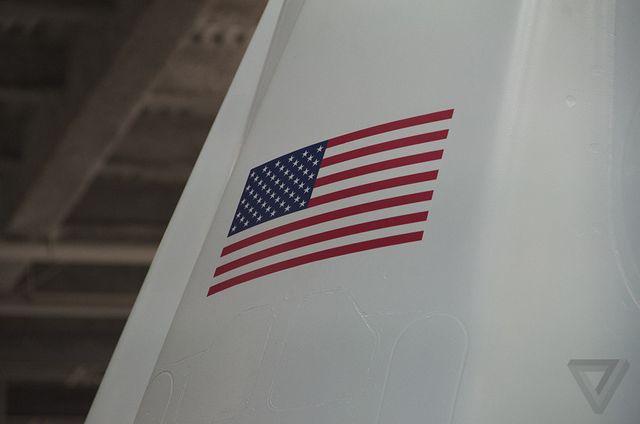طراحی شده و ساخته شده در کالیفرنیای امریکا.