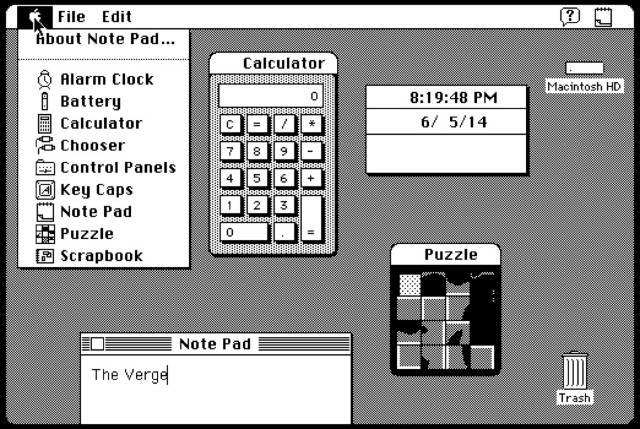 ابزارهای رومیزی اپل (۱۹۸۴)؛ این ابزارها توسط اندی هرتزفلد، از اعضای تیم موسس گروه مک و با استفاده از ایده «باد تریبل» از کارمندان اولیه اپل ساخته شد. هدف این بود که اپهایی با کاربردهای منفرد، مثل ماشین حساب، ساعت، بازی پازل، برگه یادداشت، و کنترل پنل تنظیمات در دسترس باشند.