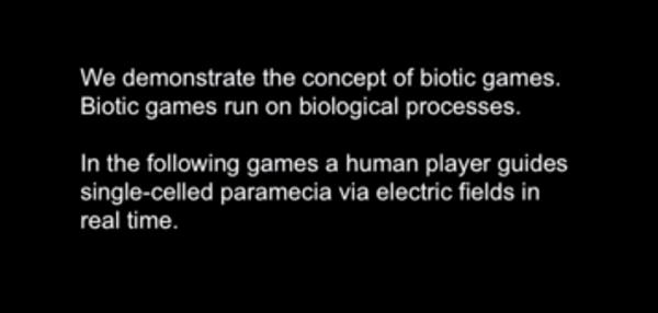 در بازی های زیر، یک انسال کنترل پارامسی ها را به وسیله میادین الکتریکی به عهده می گیرد و آن ها را هدایت می کند.