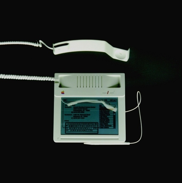 1983-phone-concept-designed-for-Apple-Computers-1