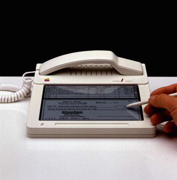 1983-phone-concept-designed-for-Apple-Computers-2
