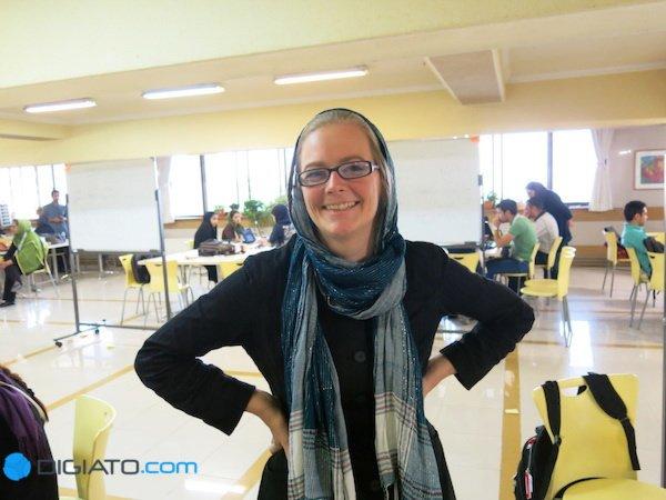 سارا اوزینگر یکی از مربیان استارت ویکند نهم است. او در آلمان تجربه بسیاری در زمینه کار با تیم های جوان دارد و در ایران نیز سعی می کند همین روند را دنبال نماید.