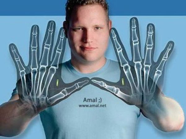 amal-graafstra-has-rfid-chips-in-his-hands-w600