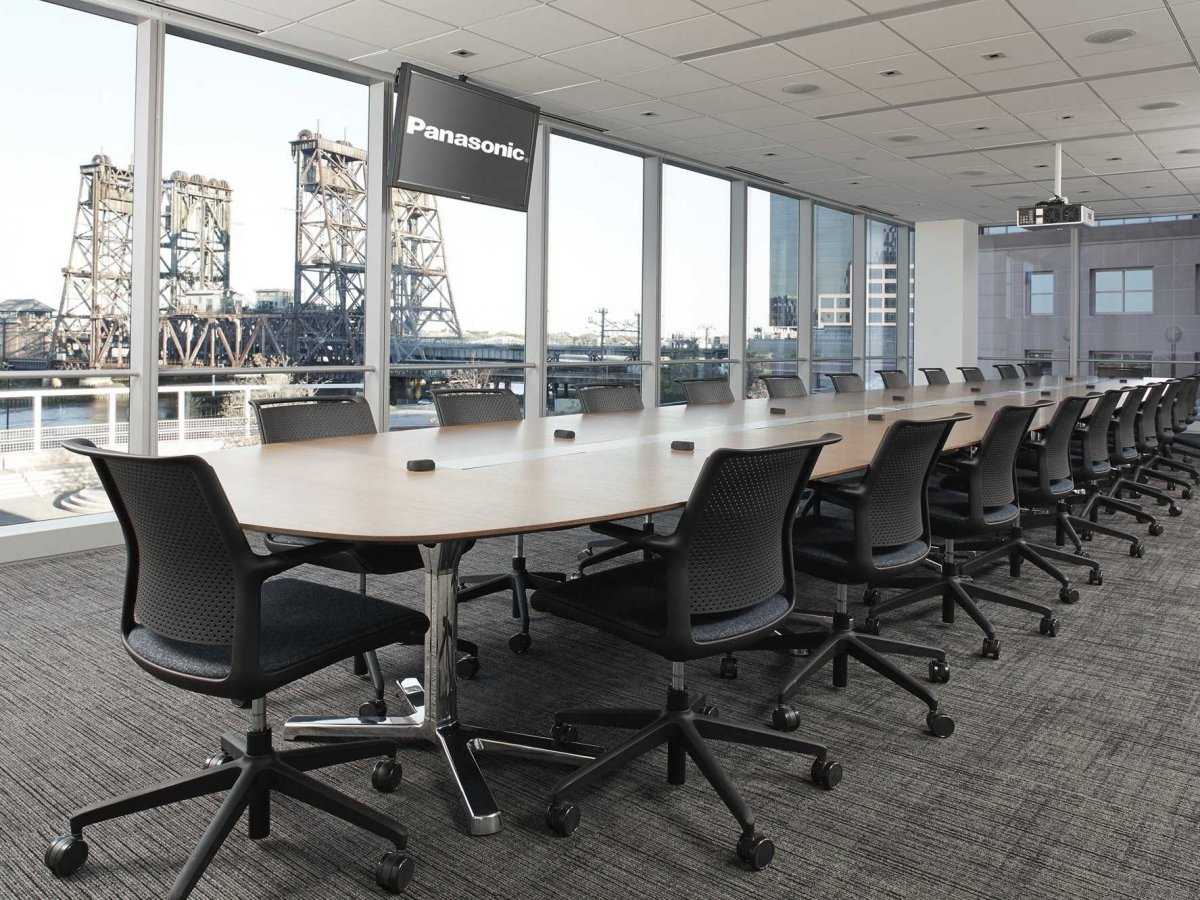 panasonic-looks-out-on-newarks-industrial-legacy-through-floor-to-ceiling-windows