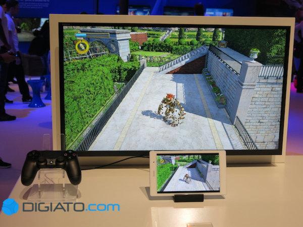 با اتصال زد ۳ به پلی استیشن می توان از نمایشگر آن به جای تلویزیون استفاده کرد.