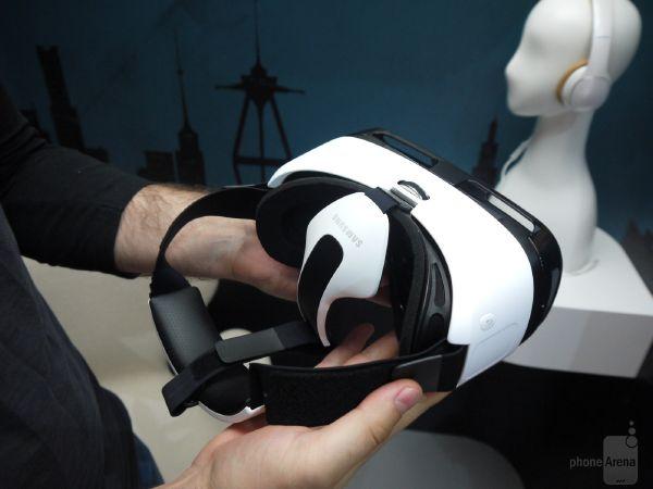 Samsung-Gear-VR-hands-on (2)