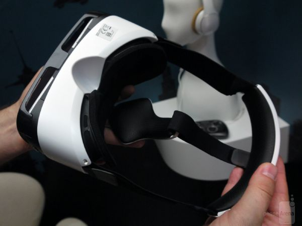 Samsung-Gear-VR-hands-on (4)