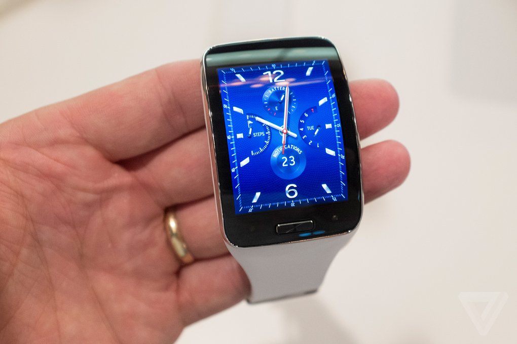 samsung-unpacked-gear-s-watch-5_2040_verge_super_wide