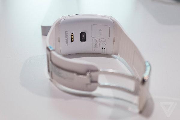 samsung-unpacked-gear-s-watch-6_2040_verge_super_wide-w600