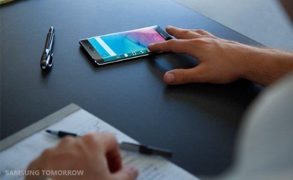 Galaxy-Note-Edge-Lifestyle-Image