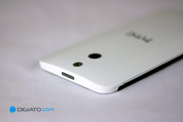 HTC_E8_Review03