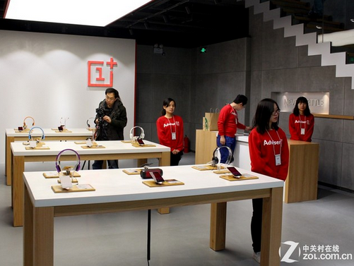 OnePlus-opens-a-store-in-Beijing (1)