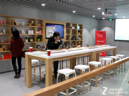OnePlus-opens-a-store-in-Beijing (3)