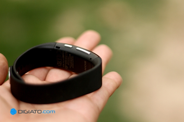 Sony_SmartBand_Talk021