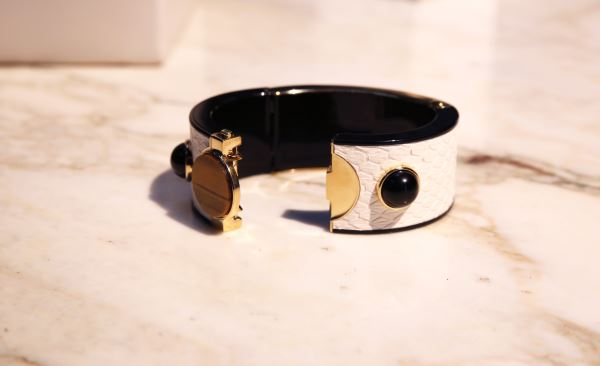intel-mica-smart-bracelet