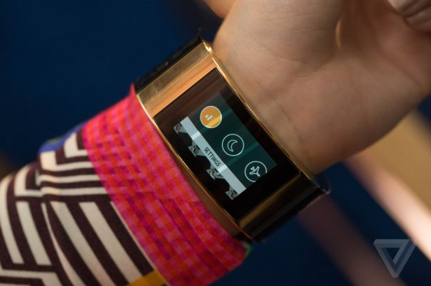 intel-opening-ceremony-mica-wearable-0289_verge_super_wide