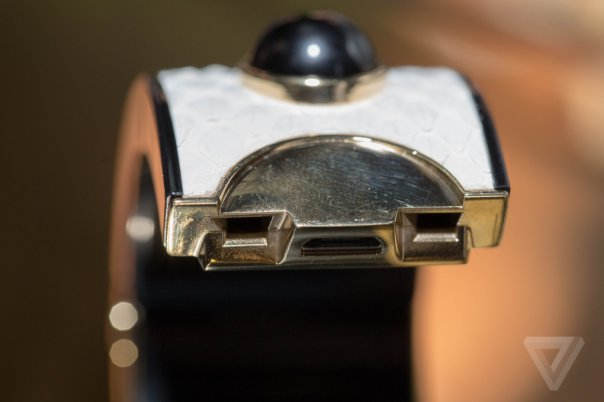 intel-opening-ceremony-mica-wearable-0346_verge_super_wide