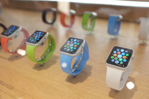 2-apple-watch-colette-display-case