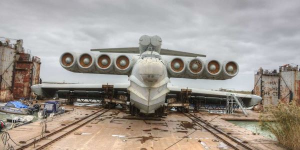 soviet-unions-lun-class-ekranoplan