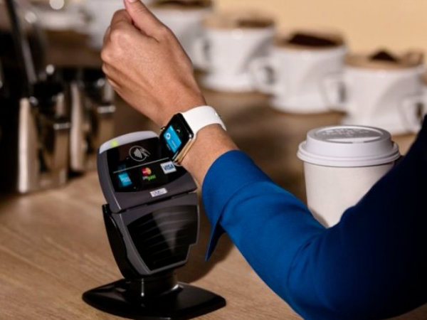 امکان انجام پرداخت ها از طریق Apple Pay و ساعت اپل وجود خواهد داشت. تنها کافیست ساعت را لمس کرده و به پد های NFC پرداخت نزدیکش کنید.