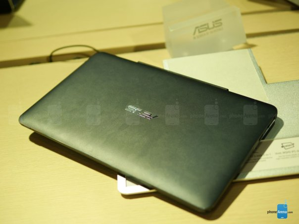 Asus-Transformer-Book-T300-Chi-hands-on (4)