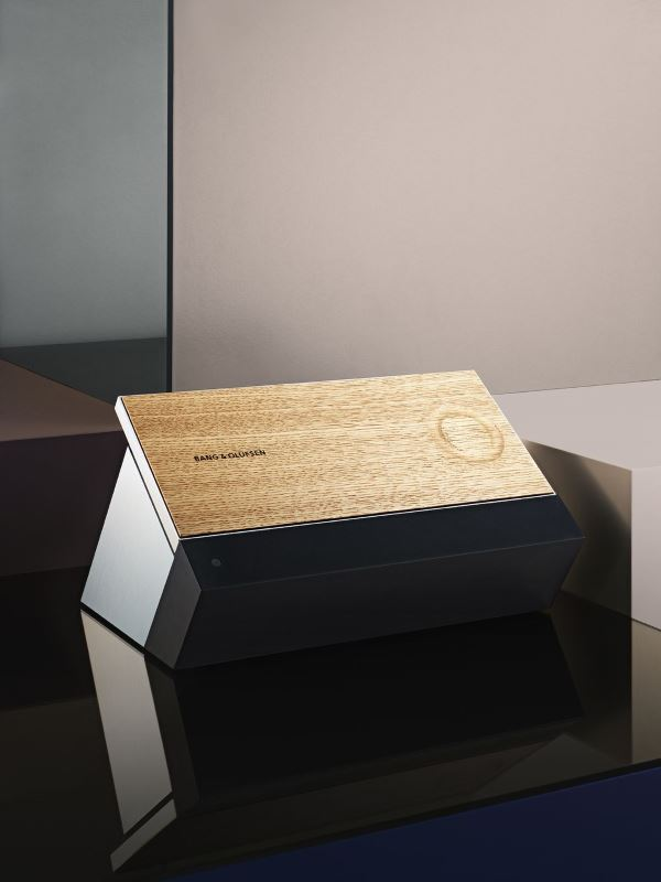 BeoSound_Moment_Front_Wood_Low_Res__2_.0