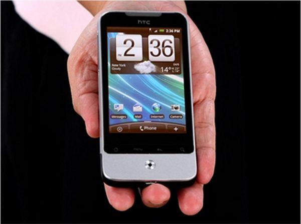 یکی دیگر از تلفن های هوشمند HTC که بسیار سریع در سراسر جهان به شهرت و محبوبیت رسید Legend بود. این اسمارت فون حتی پیش از آیفون اپل از بدنه ای فلزی بهره می برد.