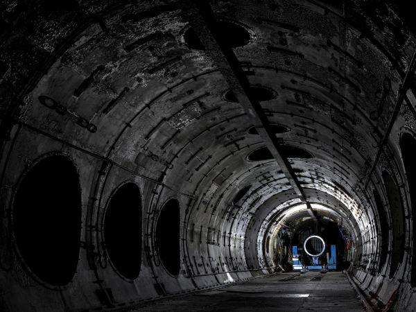 فضای داخلی تأسیسات ملی توربین گازی در انگلستان که نمونه های اولیه موتورهای جت در داخل آن طراحی و ساخته می شده است.