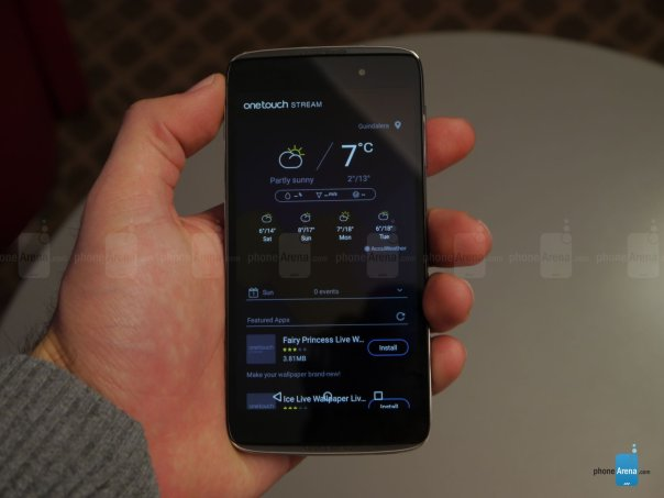 Alcatel-OneTouch-Idol-3-hands-on (12)
