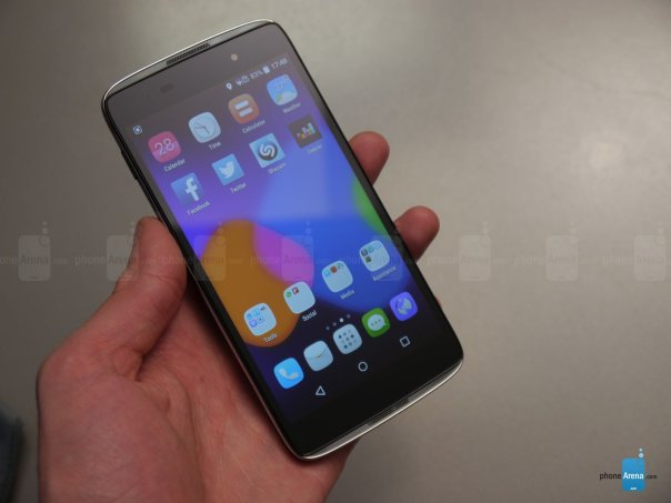 Alcatel-OneTouch-Idol-3-hands-on (4)