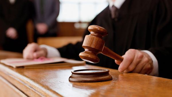 GTY supreme court cases jef 131003 16x9 992 پرونده جریمه ۱۵ میلیارد دلاری اپل به دیوان دادگستری اروپا میرود اخبار IT