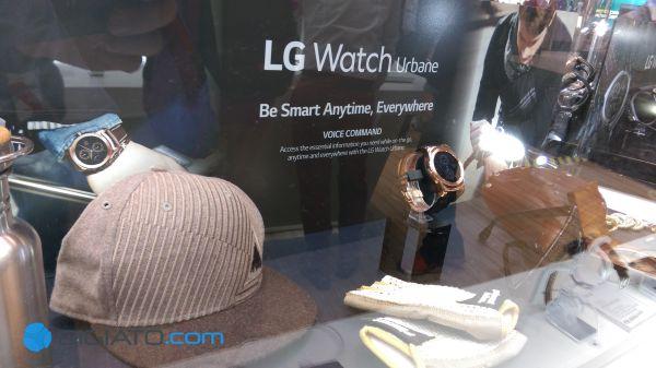 ال جی با معرفی G Watch R توانست تحسین های بسیاری را برانگیزد. کره ای ها اکنون تجربه خود را در قالب محصولی لوکس به بازار عرضه کرده اند. Urbane ساعتی است که بی شک توجه علاقه مندان به Fashion را به خود جلب خواهد کرد.