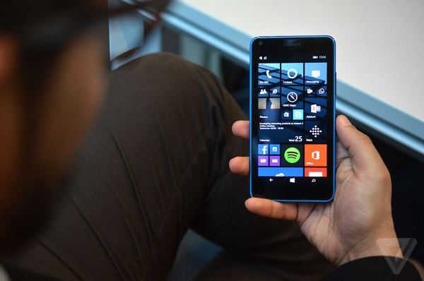 lumia640handson2_1020.0