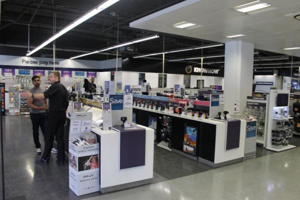 once-inside-look-left-and-its-just-the-ordinary-currys-pc-world-shop-floor
