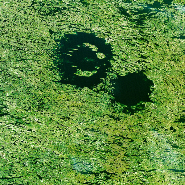 the-clearwater-lakes-in-quebec-are-not-actually-two-separate-lakes-but-a-single-body-of-water-over-two-depressions-created-by-meteorite-impacts-over-200-million-years-ago-w600