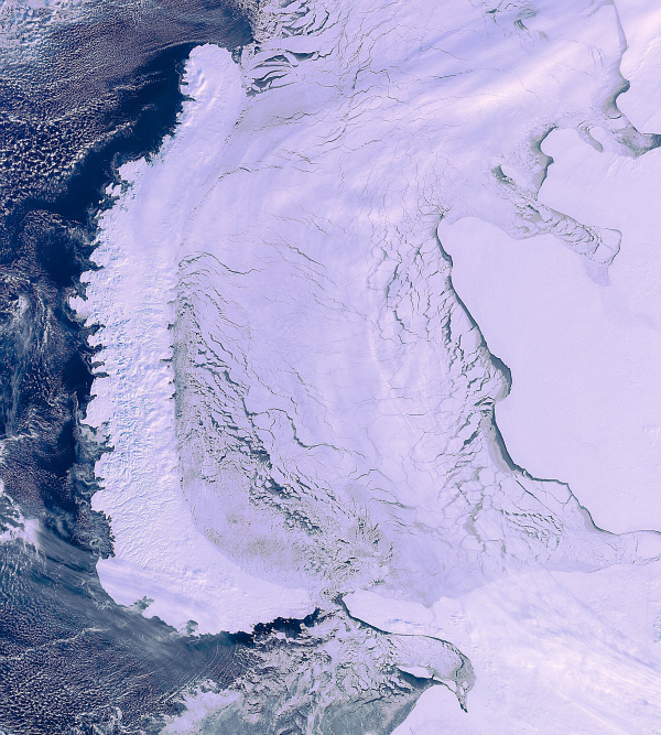 this-image-of-the-arctic-circle-was-taken-by-envistat-a-month-before-the-esa-lost-contact-the-novaya-zemlya-archipelago-is-on-the-left-and-mainland-russia-is-on-the-right-w600