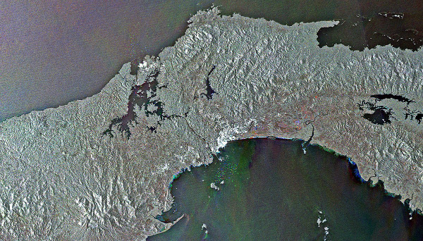 this-is-the-panama-canal-the-colored-dots-in-the-center-of-the-image-at-the-top-and-bottom-are-boats-entering-and-leaving-w600