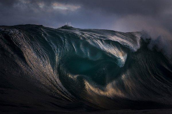 یکی از فینالیست های شاخه دنیای طبیعت؛ موج های خروشان دریایی نزدیک استرالیا.