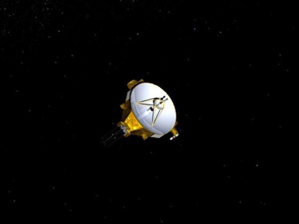 اگرچه پلوتو یک سیاره نیست ولی این دلیل نمی شود که فضاپیمای رباتیک New Horizons، محصول ناسا، به تحقیق در مورد آن نپردازد. البته فضاپیمای مورد بحث پس از طی کردن ۳ میلیارد مایل و انجام تحقیقات در مورد پلوتو به سراغ کمربند کویپر خواهد رفت تا حداقل یکی از اجرام این کمربند را هم بررسی نماید.