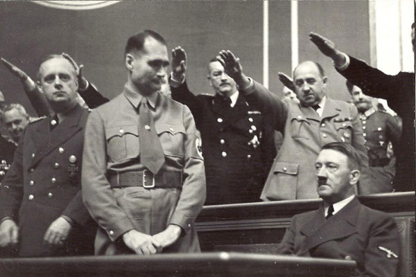 15-surprising-facts-about-adolf-hitler503122797-apr-27-2014-1-600x400