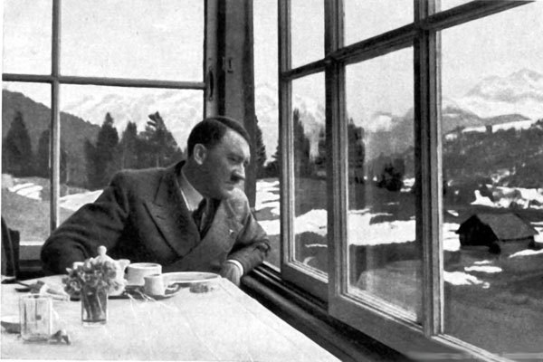 15-surprising-facts-about-adolf-hitler526029530-apr-27-2014-1-600x400