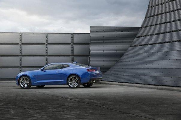 2016-Chevrolet-Camaro-RS-009.0