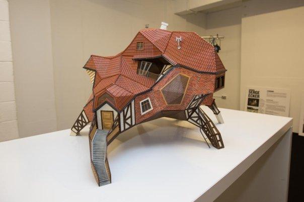 این اثر هنری توسط پرینترهای سه بعدی ساخته شده، هرچند که بعید به نظر می رسد شخصی بخواهد در یکی از این خانه ها زندگی کند.