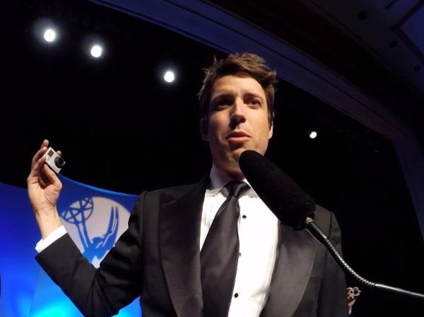 در ژانویه سال 2014، وودمن جایزه تکنولوژی و مهندسی امی را در بخش دوربین های مستحکم کوچک برای فیلم برداری اچ دی از آن خود کرد.