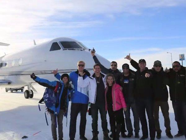 گفته می شود که وودمن با استفاده از جت Gulfstream شرکت متبوعش سفرهای مختلفی را به مناطق گوناگون داشته و سعیش بر این بوده که عملکرد جدیدترین محصولات GoPro را برای فیلم برداری از آنها به نمایش بگذارد.