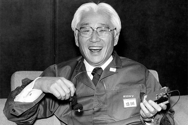 سال ۱۹۷۶ - آقایایبوکا بازنشسته شده و آقایموریتا به سمت مدیر عامل منصوب می گردد.